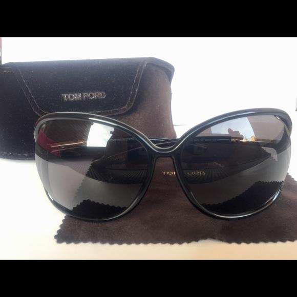 75c806c656 Authentic Tom Ford Raquel Sunglasses in Black. M 5b26f6e4c89e1de6b39e68fc